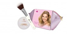 Dermacol Invisible Invisible Fixing Powder 13 g + Cosmetic Brush D55 1 ks + Cosmetic Bag Light naisille 11065